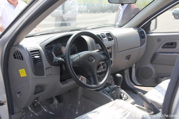 一汽通用 坤程 豪华型 2.2L汽油 双排皮卡驾驶室图